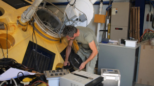 Maintenance of the oceanogrpahic station (buoy) in the laboratory