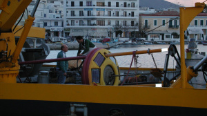 Break of the maintenance cruise, due to bad weather conditions (Tinos' port, December 2000)